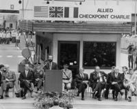 Abriss des Checkpoint Charlie, 1990 Günter Peters/Timeline Images