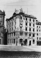 Bayerische Bank in München, 1910 Timeline Classics/Timeline Images