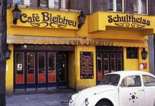 Cafe Bleibtreu in Berlin, 1973 mvoelkel/Timeline Images