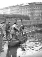 Fischfang in Berlin, 1936 Timeline Classics/Timeline Images