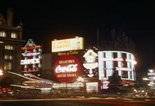 Piccadilly Circus, 1960er Jahre hgra60/Timeline Images