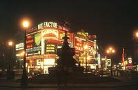 Piccadilly Circus bei Nacht, 1964 Aldiami/Timeline Images