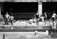 Schwimmbad Olympiastadion in Berlin, 1965 Juergen/Timeline Images