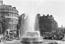 Trafalgar Square in London, 1964 Juergen/Timeline Images