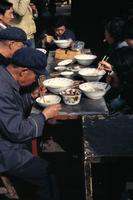 Abendessen in Xining, 1987 Czychowski/Timeline Images
