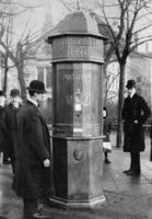 Adressautomat in Leipzig, 1908 Timeline Classics/Timeline Images