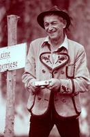 Alter Mann in Tracht, 1984 franzroth/Timeline Images
