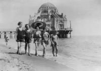 Am Strand von Ostia Timeline Classics/Timeline Images