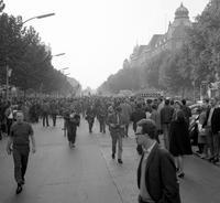 Anti-Vietnamkrieg Demonstration auf dem Kurfürstendamm in Berlin, 1968 Juergen/Timeline Images