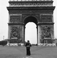 Arc de Triomphe in Paris, 1963 keberlein/Timeline Images