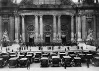 Automobilausstellung in Paris, 1926 Timeline Classics/Timeline Images