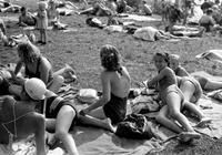 Badestrand in Petersdorf, 1955 Juergen/Timeline Images