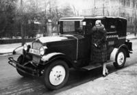 Berliner Droschkenchauffeuse, 1929 Timeline Classics/Timeline Images