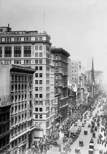 Blick auf die 5th Avenue in New York, 1914 Timeline Classics/Timeline Images