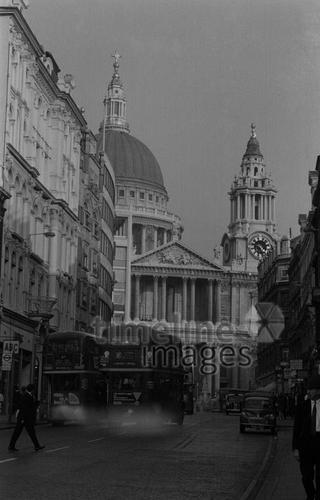 Blick auf die Saint Paul´s Cathedral in London kurka/Timeline Images