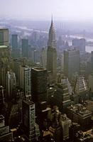 Blick vom Empire State Bldg. aufs Chrysler Bldg. Raigro/Timeline Images