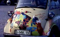 BMW Isetta am Kurfürstendamm in Berlin, 1964 Juergen/Timeline Images