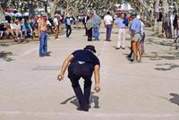 Boule Spieler in Cannes, 1983 Raigro/Timeline Images