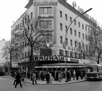 Bräuhaus am Kurfürstendamm in Berlin, 1971 Juergen/Timeline Images