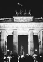 Brandenburger Tor, 1989 Winter/Timeline Images