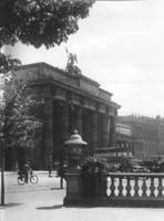 Brandenburger Tor in Berlin, 1935 Timeline Classics/Timeline Images