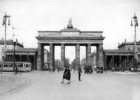 Brandenburger Tor in Berlin, 1936 Timeline Classics/Timeline Images