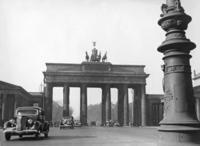 Brandenburger Tor in Berlin, 1937 Timeline Classics/Timeline Images