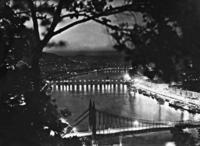 Budapest bei Nacht, 1936 Timeline Classics/Timeline Images