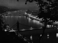 Budapest bei Nacht, 1940 Timeline Classics/Timeline Images