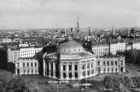 Burgtheater in Wien, 1934 Timeline Classics/Timeline Images