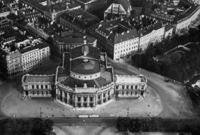 Burgtheater in Wien, 1937 Timeline Classics/Timeline Images