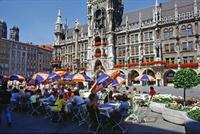 Cafe am Marienplatz in 1990 Raigro/Timeline Images