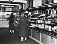 Cafeteria in New York, 1935 Timeline Classics/Timeline Images