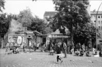 Demonstranten auf dem Winterfeldtplatz, 1981 Albert1/Timeline Images