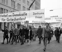 Demonstration in Berlin, 1. Mai 1967 Juergen/Timeline Images
