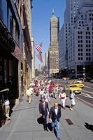 Die 5th Avenue in New York zur Mittagszeit Raigro/Timeline Images
