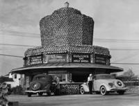 Drive-In-Schnellimbiss in Hollywood, 1936 Timeline Classics/Timeline Images