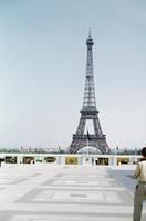 Eiffelturm in Paris, 1959 HRath/Timeline Images