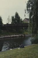 Ein Angler am Fluss in West-Berlin kleeblatt/Timeline Images