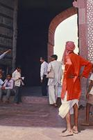 Eingangstor zum Red Fort in Agra, 1976 hwh089/Timeline Images