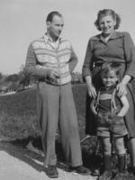 Familie in Bayern, 1949 Peter/Timeline Images