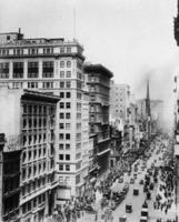 Fifth Avenue in New York, 1914 Timeline Classics/Timeline Images