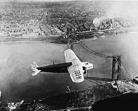 Flugzeug über der George Washington Bridge, 1930 Timeline Classics/Timeline Images