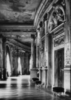 Foyer des Burgtheaters in Wien, 1938 Timeline Classics/Timeline Images