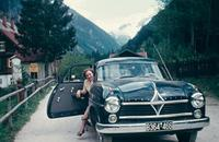 Frau in Borgward Hansa 2400, 1956 RainerA/Timeline Images
