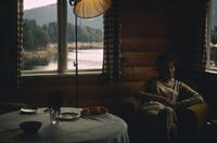 Frau in Hütte, 1966 HRath/Timeline Images