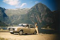 Frau und Auto in Norwegen, 1966 HRath/Timeline Images