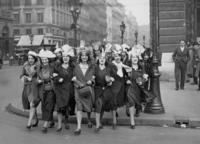 Frauen am 'La Sainte-Catherine'-Tag in Paris, 1931 Timeline Classics/Timeline Images