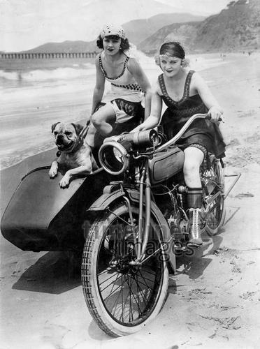 Frau motorrad bilder mit ▷ Motorrad:
