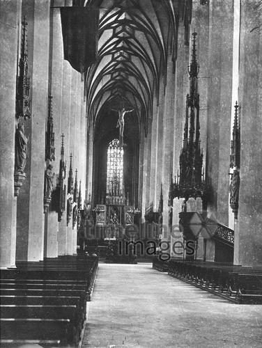 Frauenkirche in München, 1910 Timeline Classics/Timeline Images